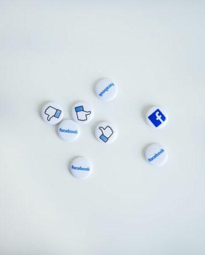 Co tojest Facebook Ads? loading=