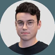 Maciej Mróz - UX Graphic designer