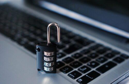 Bezpieczna strona internetowa loading=